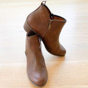 BONGO Women's Colette faux leather brown Bootie